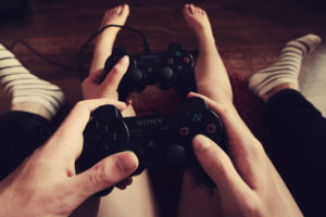 couple-playing-games